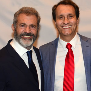 Peter-Diaz-with-Mel-Gibson